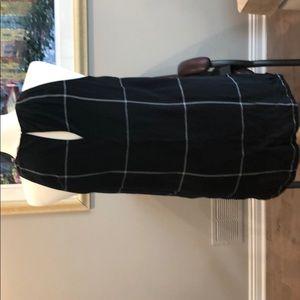 Athleta Tops - Athleta size 6 silk black with white tunic top